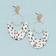 Shawn Earrings-Natural on the Prowl